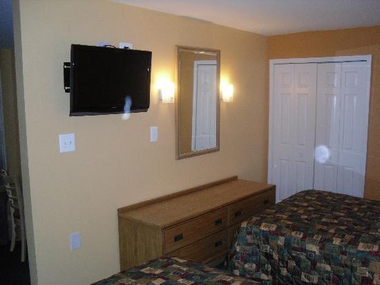 Master Suites Hotel: BEDROOM