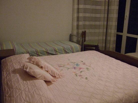 Il Veliero: Double bed bed plus put-u-up.