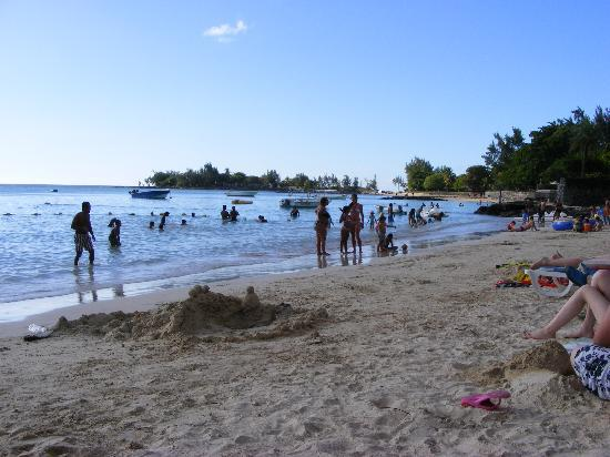 Pereybere Beach: Fun at the beach