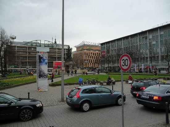 Leonardo Hotel Mannheim City Center: Paradeplatz in Mannheim