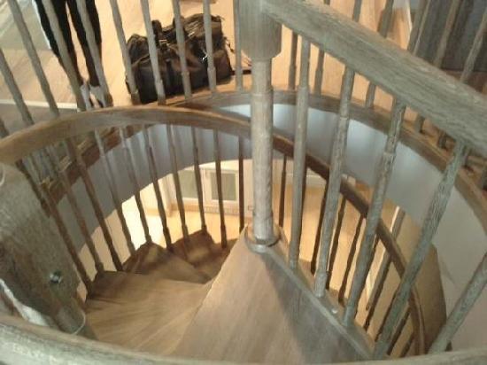 Hilton Dalaman Sarigerme Resort & Spa: stairs in our room