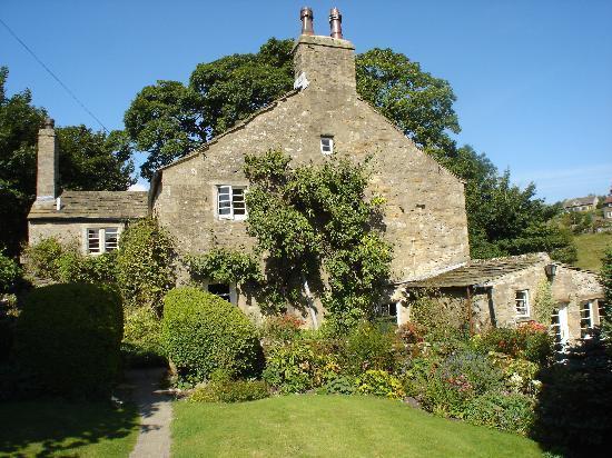 Bridge End Farm: The house in summer