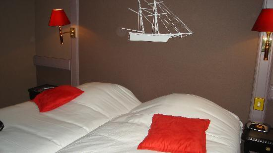 le chambre double -lits jumeaux super confortables - Photo de Best ...