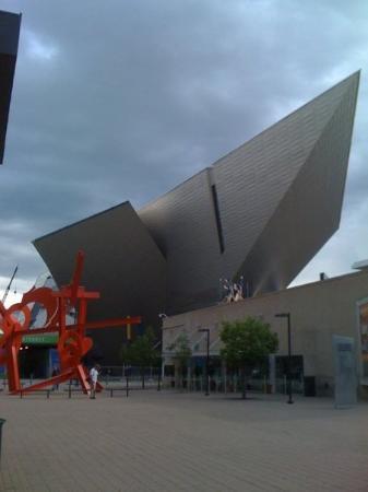 Lakehouse aspen colrado owner kevin costner picture for Denver art museum concept