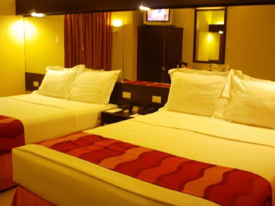 Microtel Inn & Suites by Wyndham Davao: our room