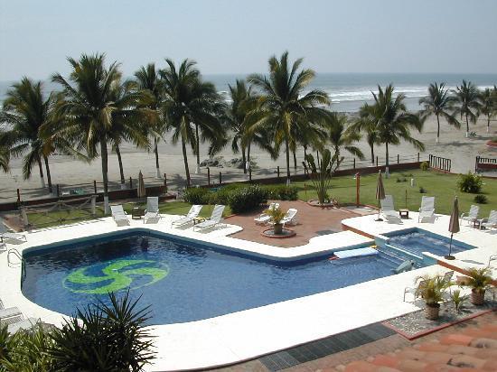 Majahua Palms: Pool at Sunset