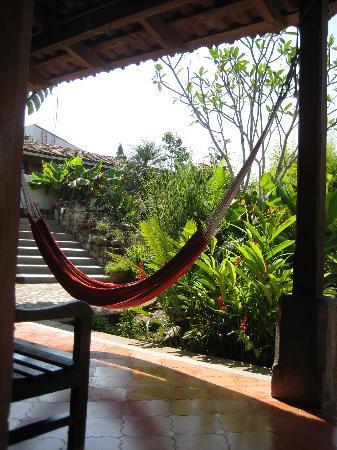 La Casa de Cafe: Hammock in the shade of the lower garden of Casa de Cafe