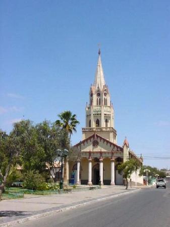 Caldera, ชิลี: Iglesia San Fco. de Paul diseñada por G. Eifel