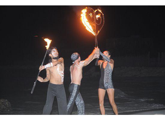 iQue Fresco!: Fire Dancers