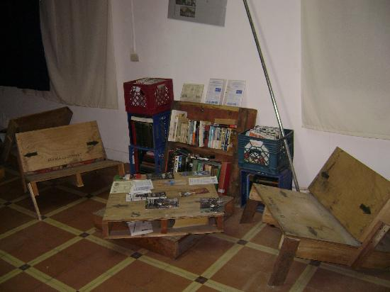 Lukas Hostel : One of the seating areas