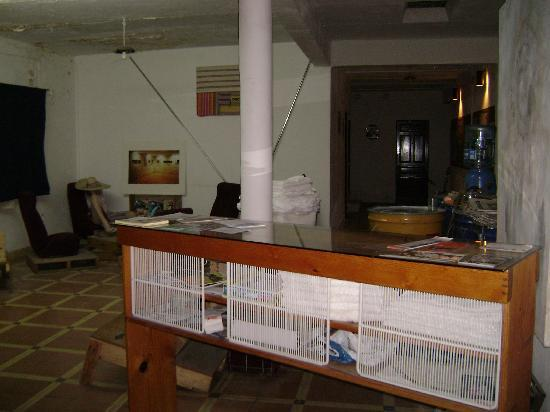 Lukas Hostel : Front Desk