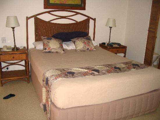 Sunset Cove Noosa Resort: Main bed