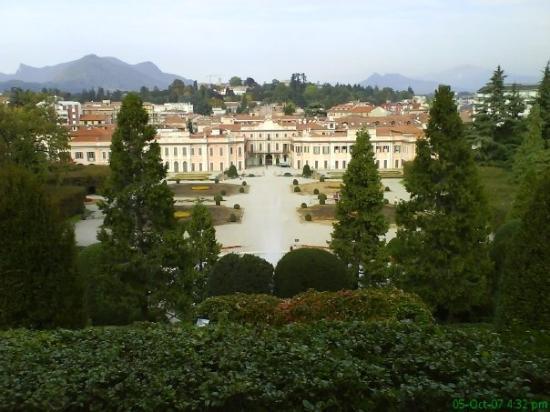 Varese, Italia: Palazzo e Giardini Estensi