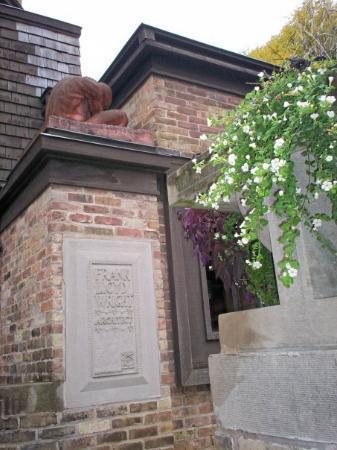 Frank Lloyd Wright Home and Studio : Frank Lloyd Wright Home & Studio