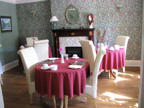 Olivedale Guest House: Breakfast room