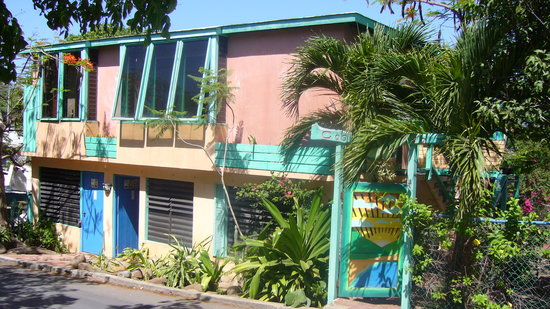 Casita Linda : This is what the place looked like in 2007.  I didn't take pics of it in 2009, so imagine it sun