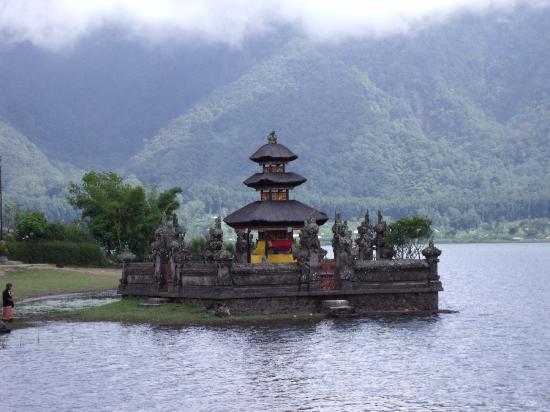 Bali, Indonesien: Temple at Lake batur
