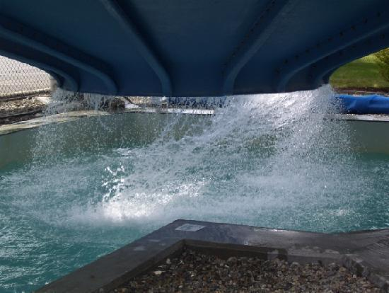 Whales Tale Waterpark: Eye of the Storm-Splashing Area!