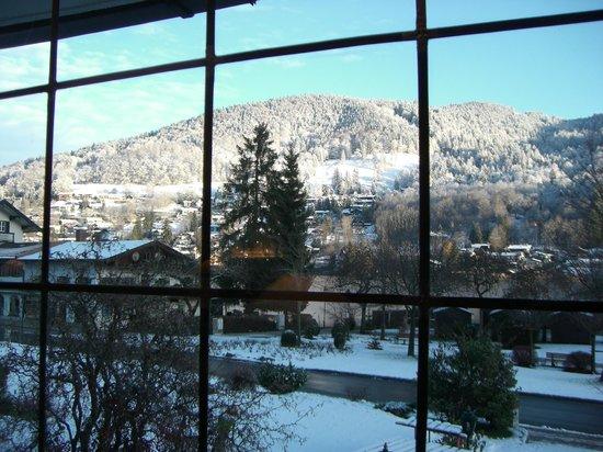 Rottach-Egern, ألمانيا: Blick vom Frühstückszimmer nach Tegernsee