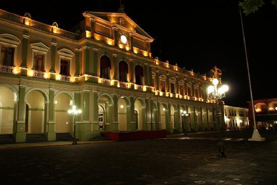 Cordoba, Messico: palacio de noche