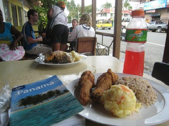 El Chitre: Fried chicken, potato salad, rice & beans