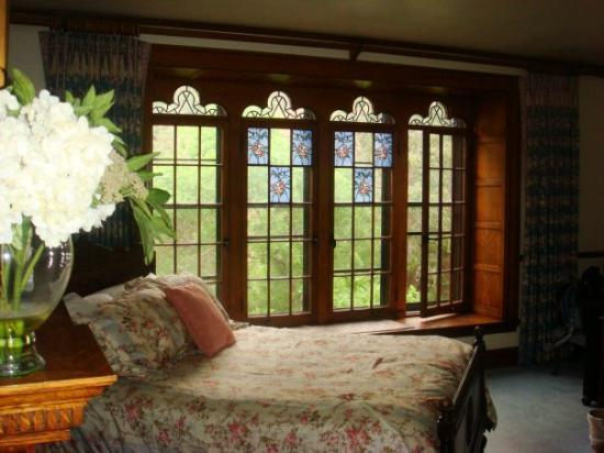 Glen Eyrie Castle: Our second room at Glen Eyrie.  Just beautiful!  Try to stay there sometime.