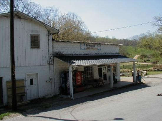 Centerville (TN) United States  city photos : Centerville, TN: Tarkington's Store, Hassel's Creek