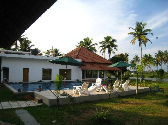 Hotel Swimming Pool Picture Of Manor Backwater Resort Kumarakom Tripadvisor