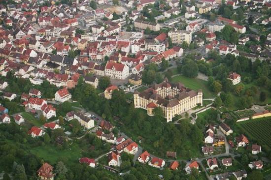 Tettnang, ألمانيا: Tettnang mit Schloss Montfort vom Zeppelin NT  aus gesehen 2006