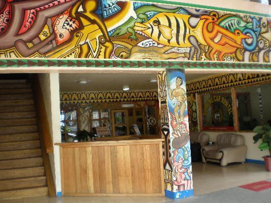 Pacific Casino Hotel: Entrance to hotel