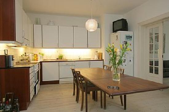 The Pea Blossom: Kitchen