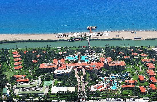 Gloria Golf Resort : Outside View