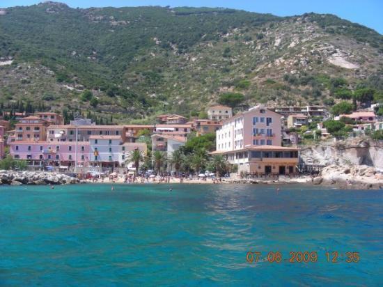Talamone, Italy: isola del giglio