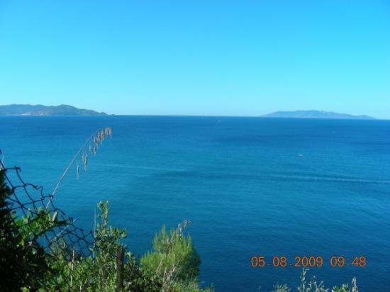 Talamone, Italy: monte argentario e isola del giglio