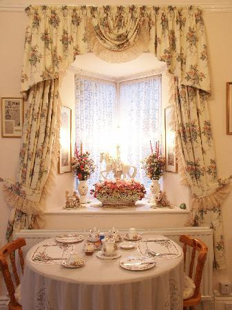 Braemar Guest House: Dining