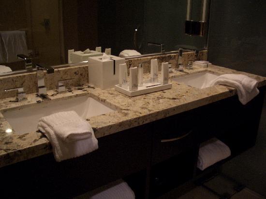 ARIA Resort U0026 Casino: Dual Sinks With Aria Bath Products
