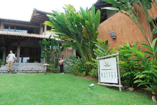 Maitei Hotel: Hotel Entrance