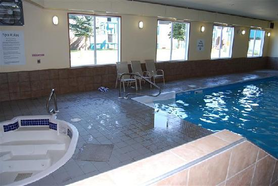 Holiday Inn Express Hotel & Suites Prince Albert: pool/jaccuzzi