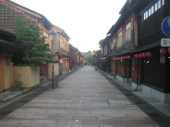 Higashichaya Old Town : 早朝のひがし茶屋街
