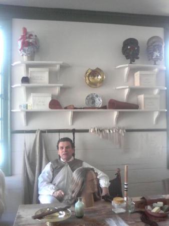 Barber Williamsburg : Barber/Wig Maker. - Picture of Colonial Williamsburg, Williamsburg ...