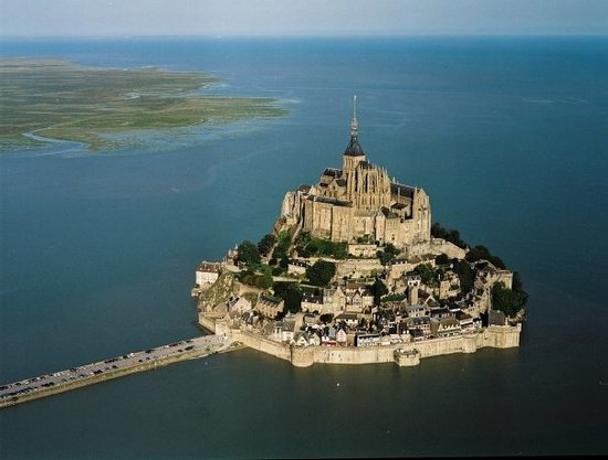 Αβράνς, Γαλλία: Mont Saint-Michel at high tide