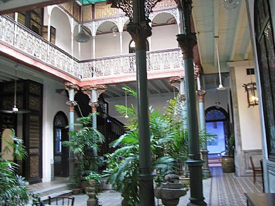 Cheong Fatt Tze - The Blue Mansion: view of courtyard