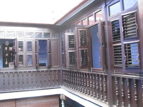 Cheong Fatt Tze - The Blue Mansion: view of upstairs' rooms (windows)