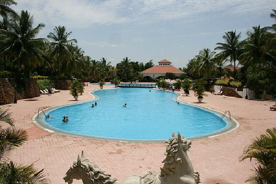 Golden palms hotel spa bengaluru hotel reviews Resorts in mysore with swimming pool