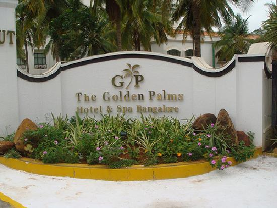 Golden Palms Hotel & Spa : Entrance