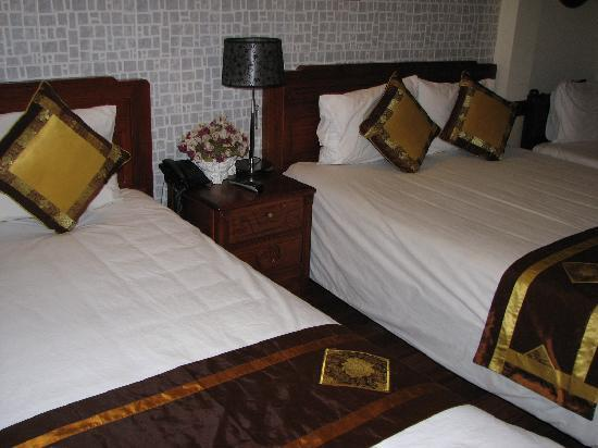 Prince II Hotel: family room 30$ with extra bed