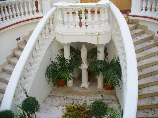 Sorrento Town Suites: Vista del balcon