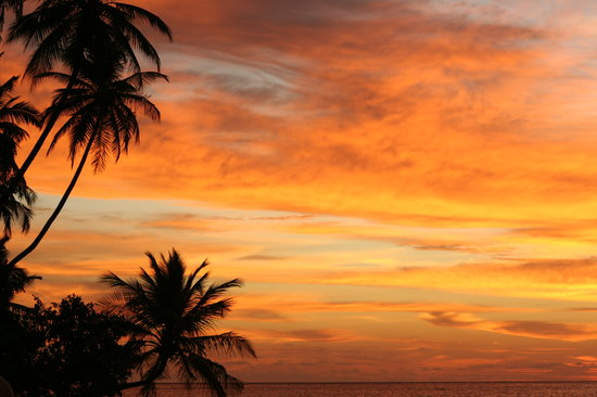 Filitheyo Island Resort: Sunset