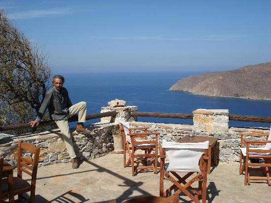 Pension Uranos : the view from uranos