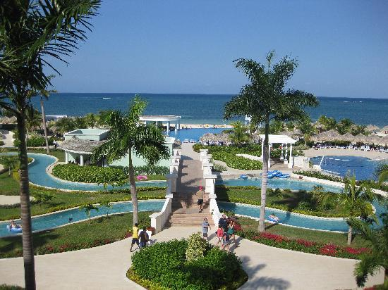 Iberostar Rose Hall Suites: View from lobby (2nd floor)